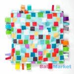 Bright Starts morzsoló kendő Little Taggies 30x30 cm, 0 hó+ Négyzet